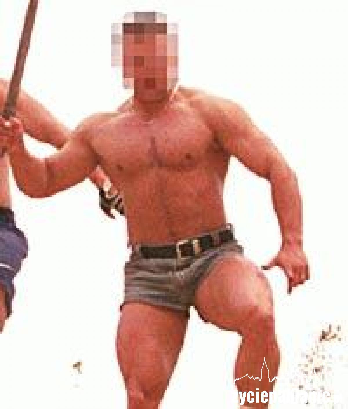 """Aby zagrać rolę gladiatora w filmie """"Quo vadis"""", nauczyciel Mariusz B. trenował długo i ciężko"""