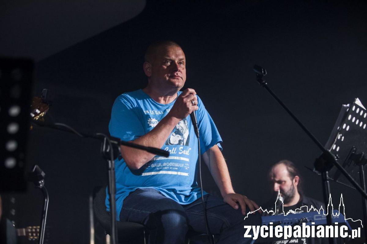 Kazik na koncercie w Pabianicach
