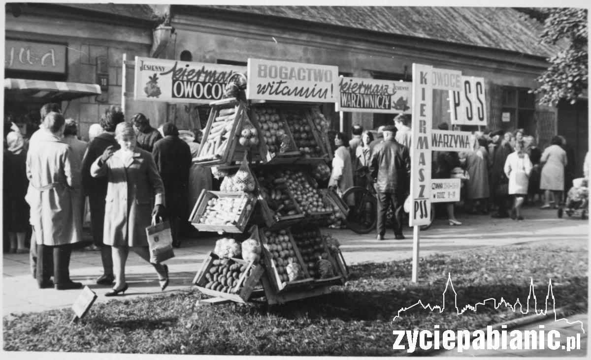 1964 rok. Sklep Społem  PSS przy ul. Zamkowej