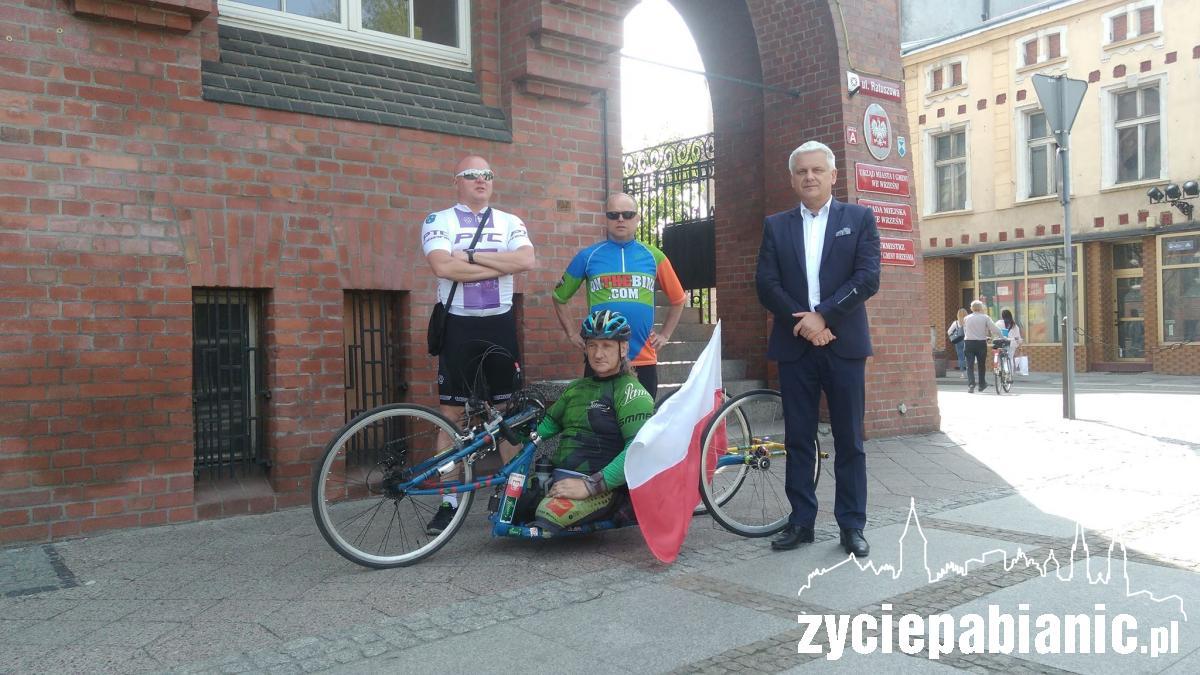 Krzysztof Jarzębski jedzie 1.000 kilometrów.